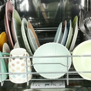 How to Clean Your Dishes When You Run Out of Dishwasher Tablets