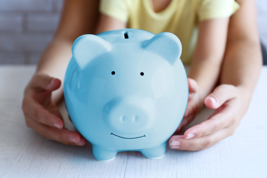 17 People Share Their Best Practical Money Saving Advice