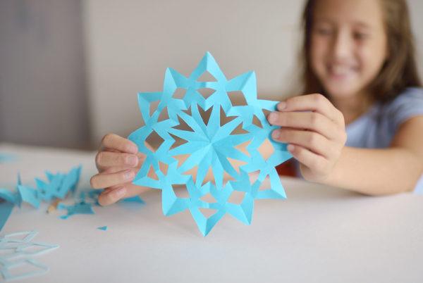 5 Easy Homemade Christmas Decorations