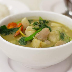 How to Make Green Fish Curry at Home