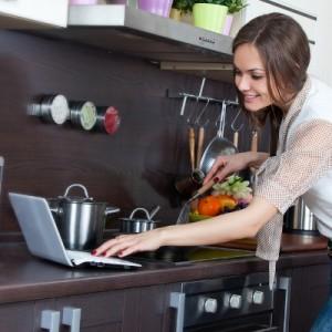 12 Basic Kitchen Equipment for Beginners