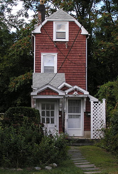 The World's Skinniest Houses   Stay At Home Mum