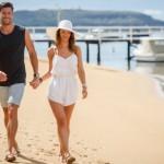 The Bachelor S3 Ep7 Emily Sam beach date 5 e1440033052536 | Stay at Home Mum.com.au