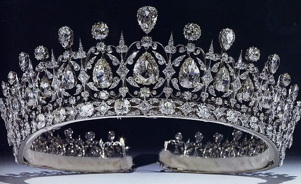 20 Famous Royal Crowns and Tiaras