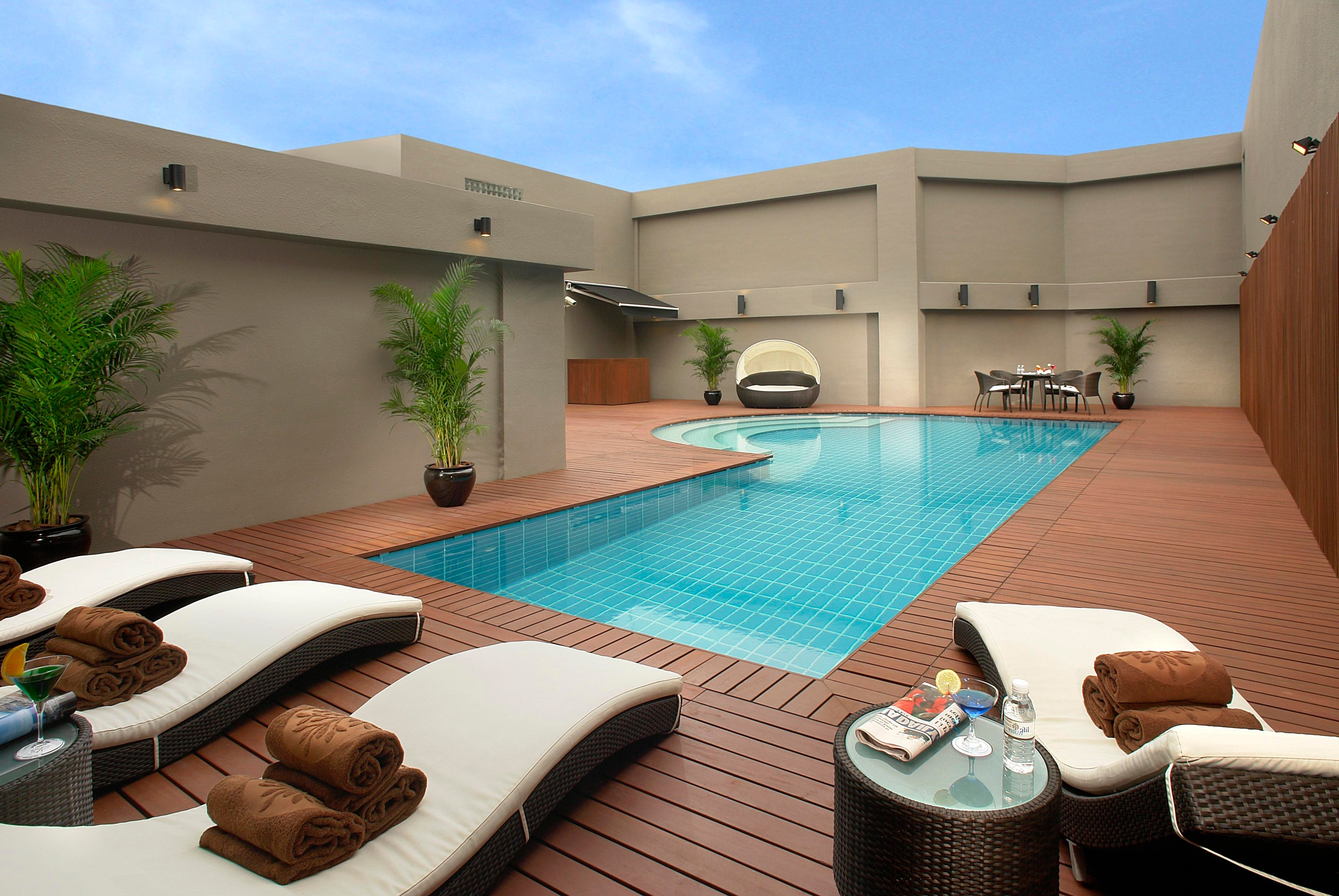 10 things you should know about owning a swimming pool for Best house with swimming pool