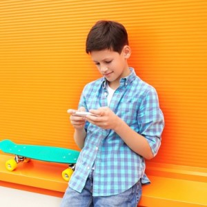 Creating An Etiquette Contract For Your Teenager's Mobile Phone