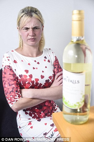Mum wags finger at single mums who drink 2