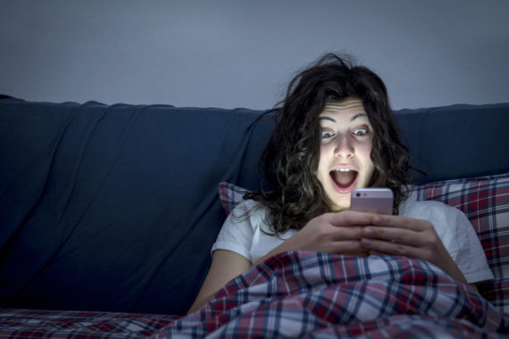 9 Reasons You Shouldn't Take Your Phone To Bed With You