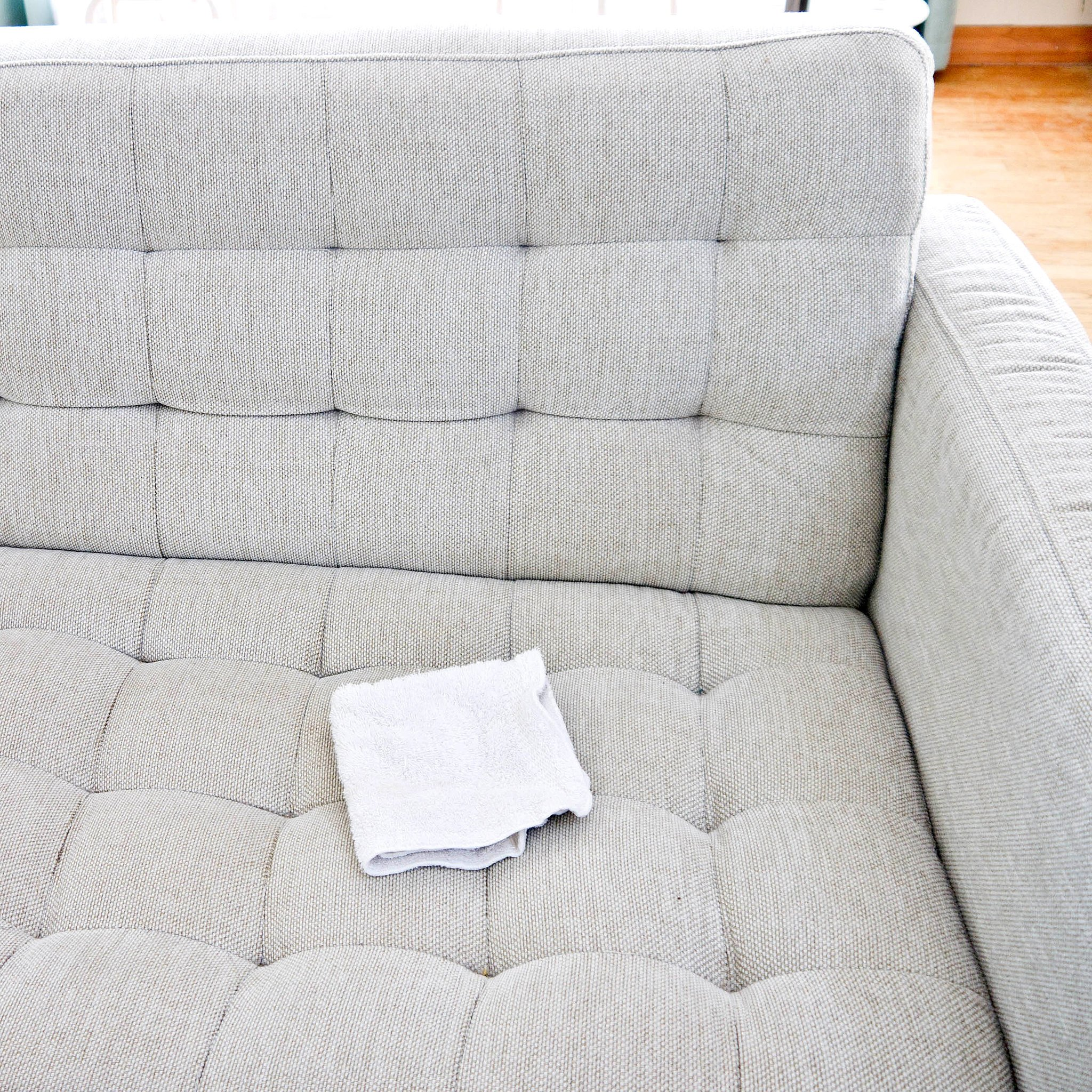 How to Clean a Lounge Suite