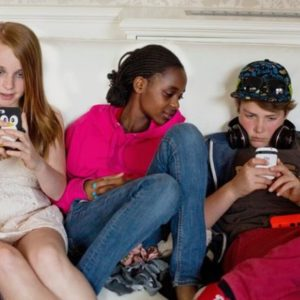 Perth Teens As Young As 14 Using Hook-Up App Tinder