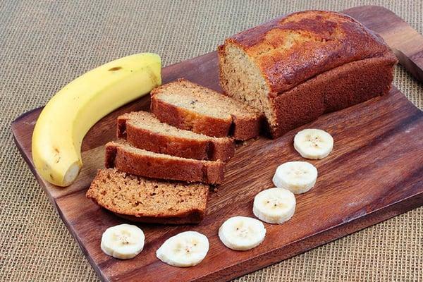 Easy Moist Banana Cake