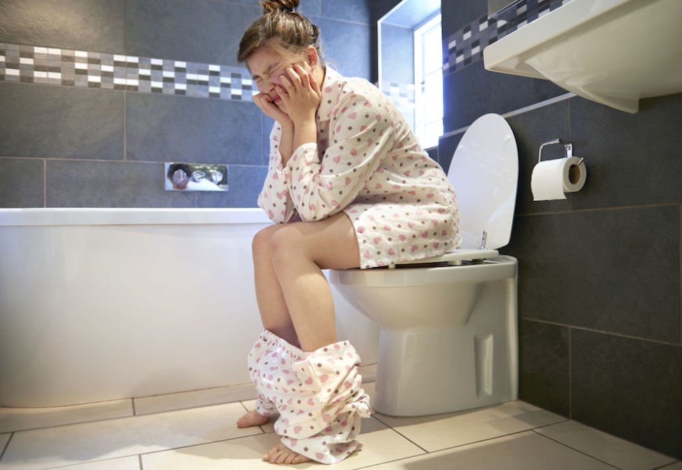 7 Ways People Might Guess You Are Pregnant Before You Tell