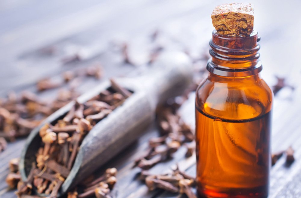 8 Amazing Things You Can Do With Clove Oil