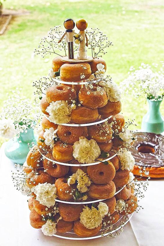 These Cute Donut Wedding Cakes Will Save You Some Cash! | Stay At Home Mum