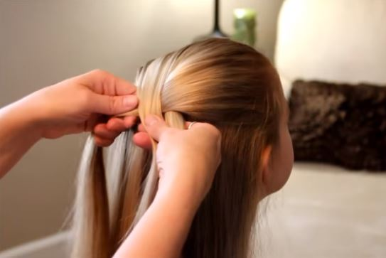 How To Braid Hair in 5 Easy Steps | Stay at Home Mum