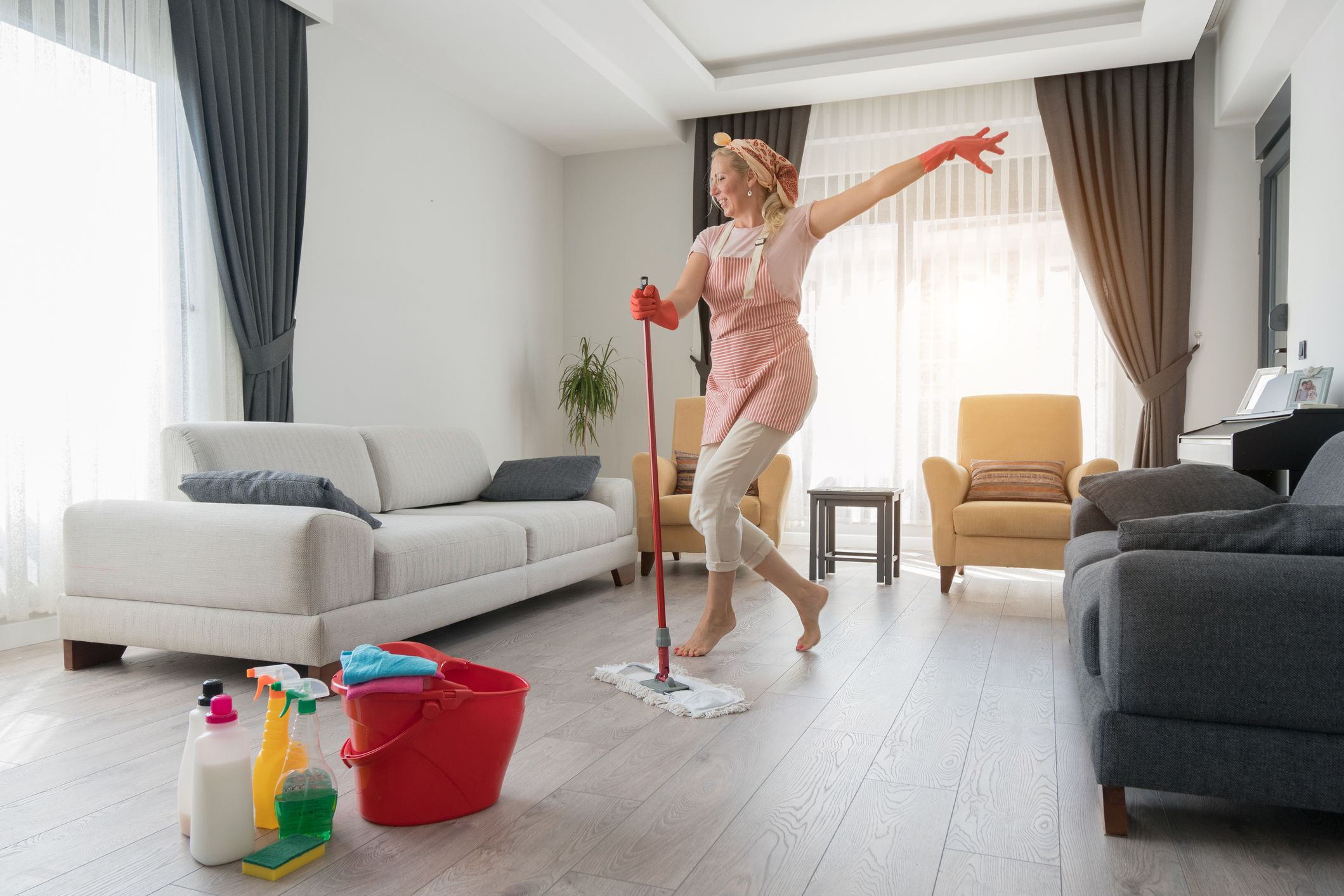 The Ultimate Spring Cleaning Checklist | Stay At Home Mum