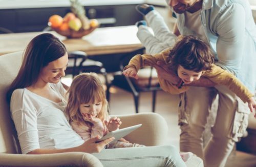 40 Things to Do on a No-Spend Weekend | Stay At Home Mum