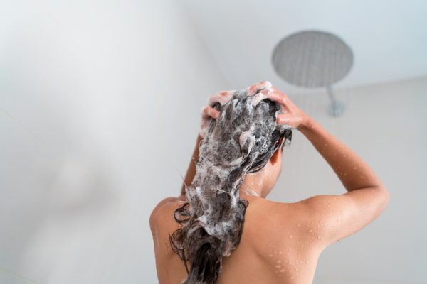 They Say This is the Correct Way to Wash Your Hair