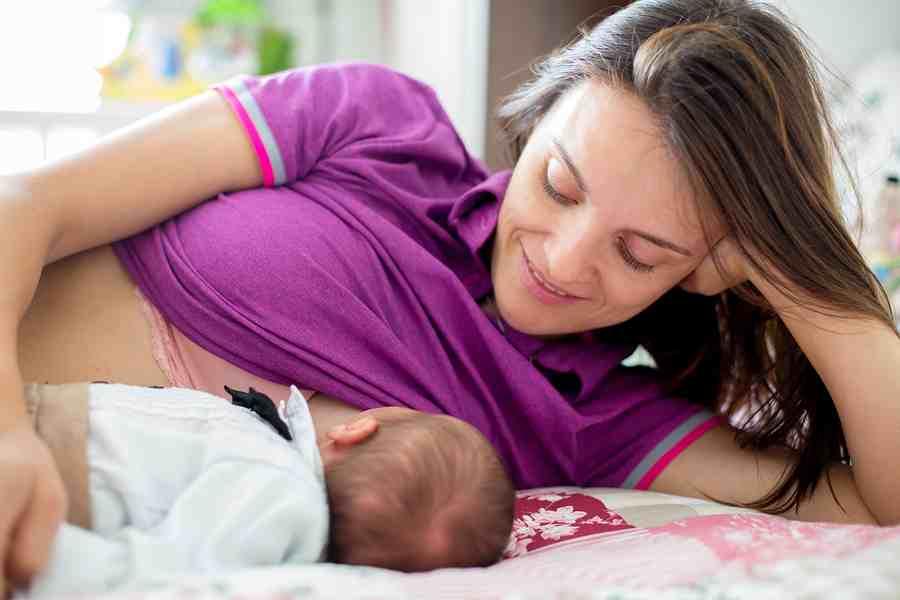 breastfeeding baby 2   Stay at Home Mum.com.au