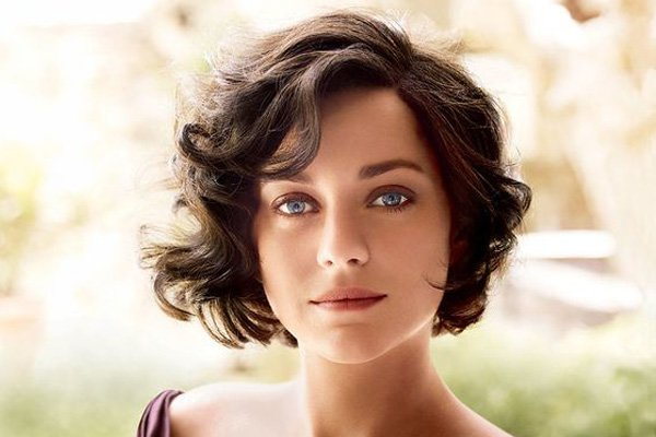 10 Classy Hairstyles for Women Over 40