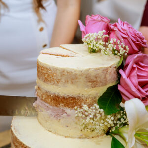 10 Simple Wedding Cakes You Could Make Yourself