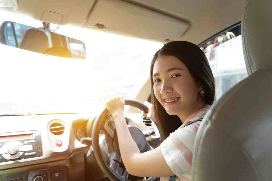 woman driving | Stay at Home Mum.com.au