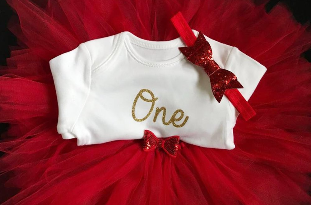 25 Adorable First Birthday Outfits for Girls