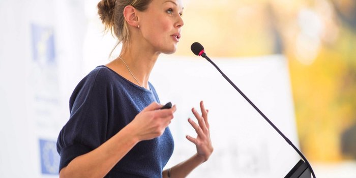 20160303162410 businesswoman speaker speech presentation meeting conference talk seminar guest   Stay at Home Mum.com.au