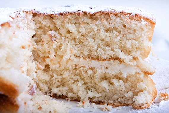 100 Easy-to-Bake Cakes for Any Occasion