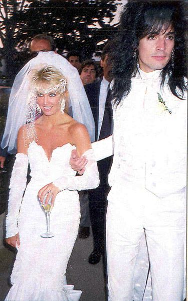 How many times has Tommy Lee been married?