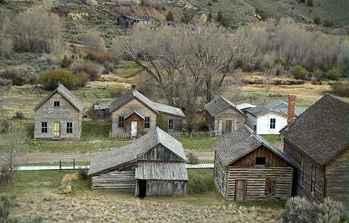 50 Abandoned Towns All Over The World
