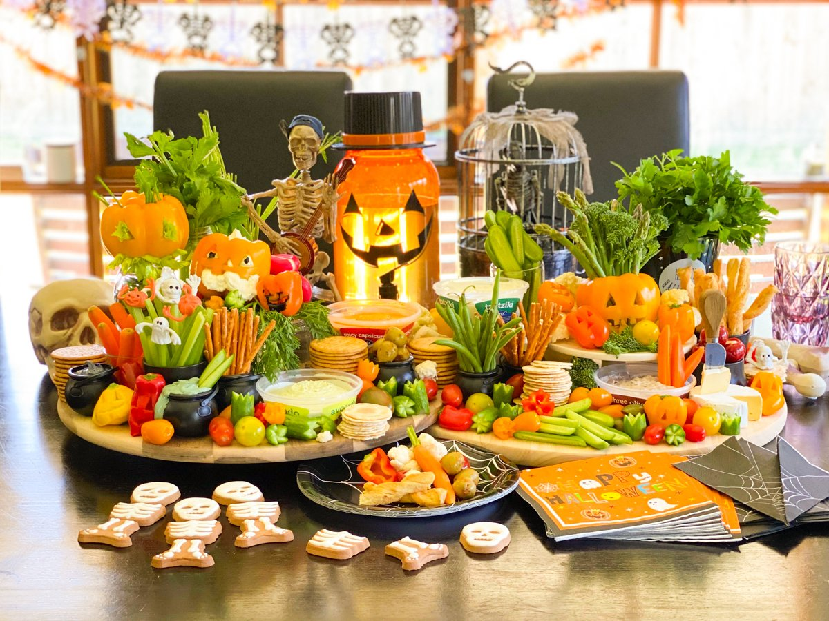 Scary Halloween Feasting Platter (That is HEALTHY, too!)