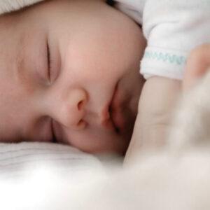 10 Best Baby Sleeping Bags – Keep Baby Warm All Night in Winter