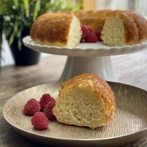 Easy Three Ingredient Pineapple Cake