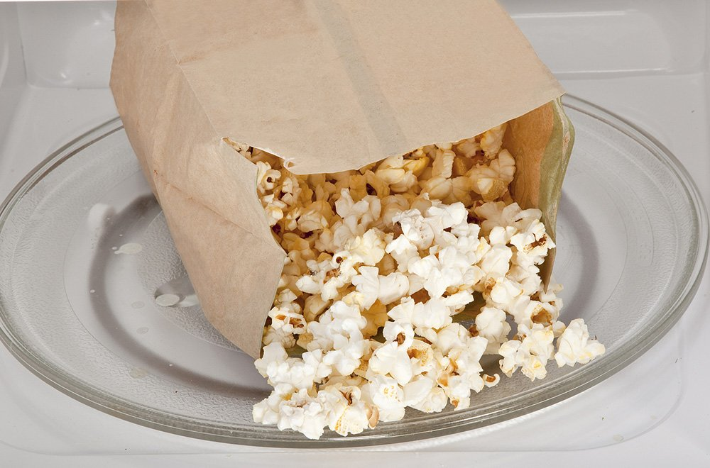 How to Make Popcorn in the Microwave