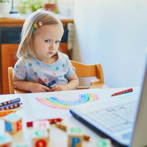 6 Simple Tips To Control Your Child's Screen Time