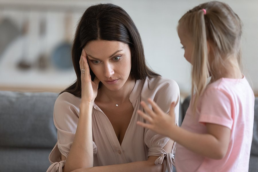 Mum Swearing At Her Toddler— Her DSis Thinks It's The Worst Response! | Stay At Home Mum